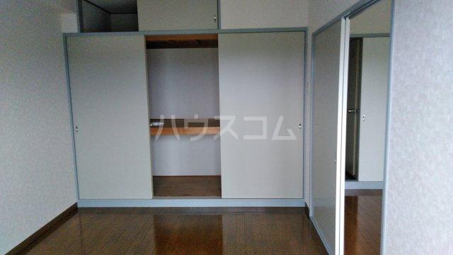 KHハイツⅡ 302号室の収納