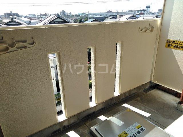 山田ハイツ 402号室のバルコニー