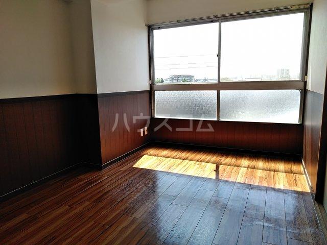 山田ハイツ 402号室の居室
