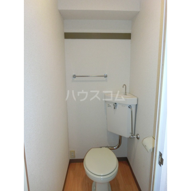 SVSビル 302号室のトイレ