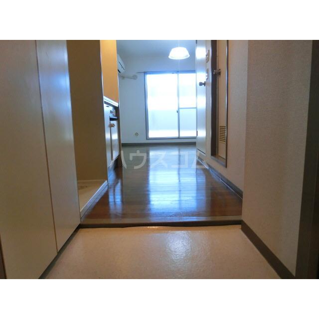 SVSビル 302号室の玄関