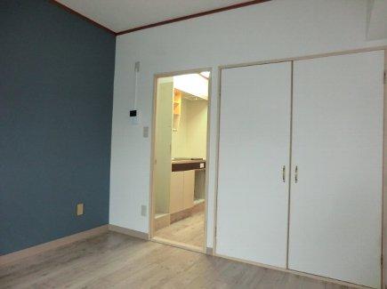 ヒルズ喜多山 401号室のリビング