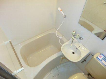 ヒルズ喜多山 401号室の風呂