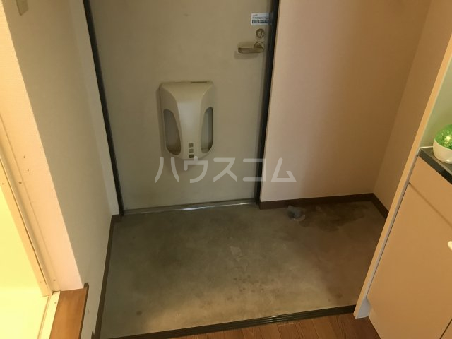 メゾン庄名2 306号室の玄関