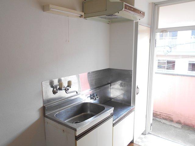 レモンホームすすきの 105号室のキッチン