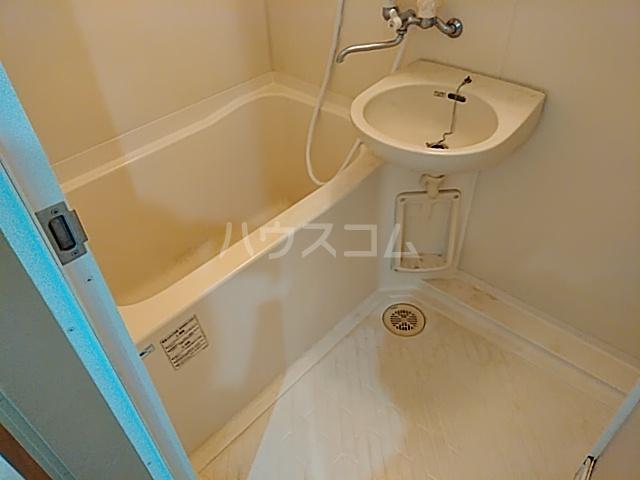 カレッジハイツ 春日井 205号室の風呂