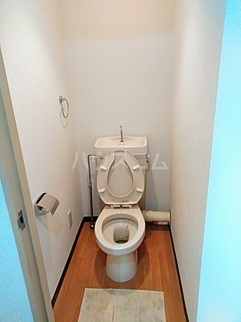 カレッジハイツ 春日井 205号室のトイレ