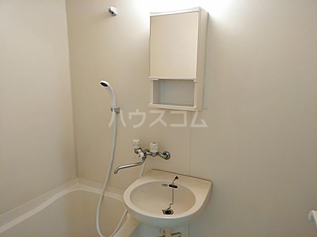カレッジハイツ 春日井 205号室の洗面所