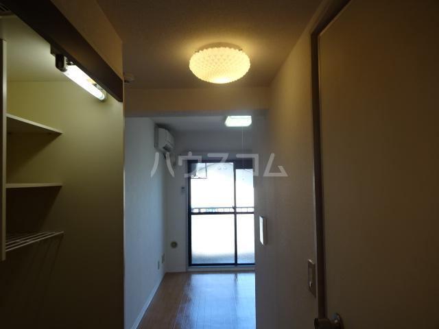 ビアメゾン高幡不動 207号室の居室