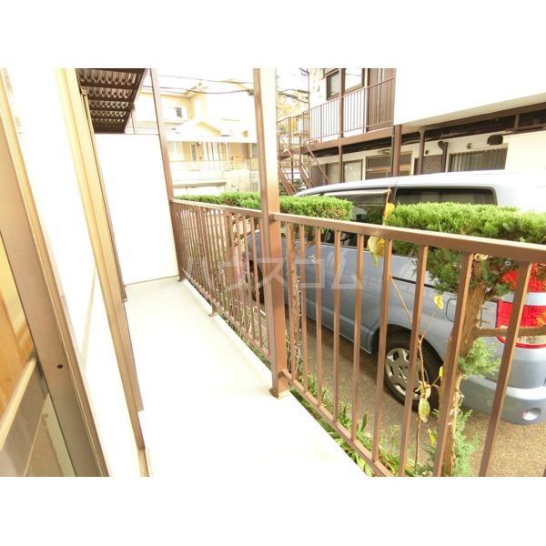 第2サンハイツ成田 102号室のバルコニー