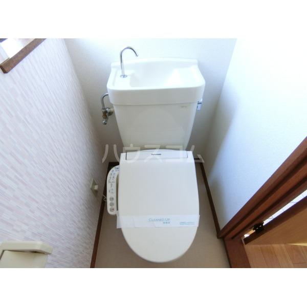 第2サンハイツ成田 102号室のトイレ