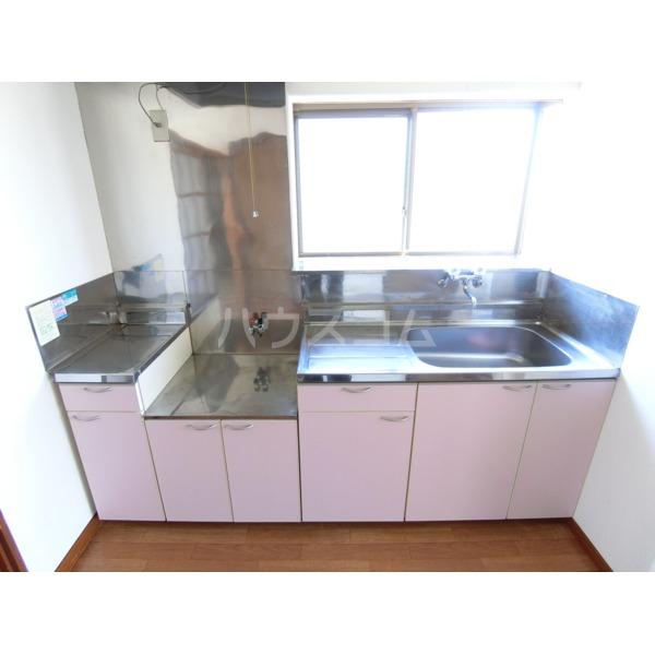 第2サンハイツ成田 102号室のキッチン