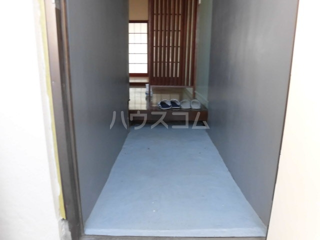 コーポ落合 101号室の玄関