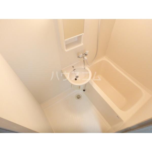光壱番館 204号室の風呂