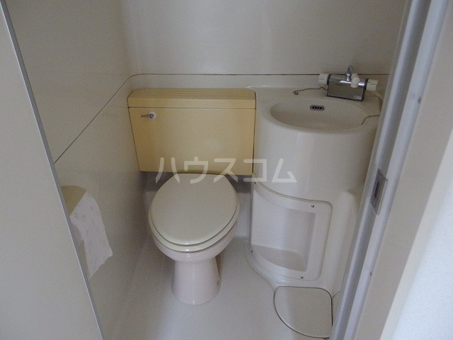 上原ビル 107号室のトイレ