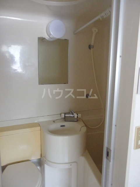 上原ビル 107号室の洗面所
