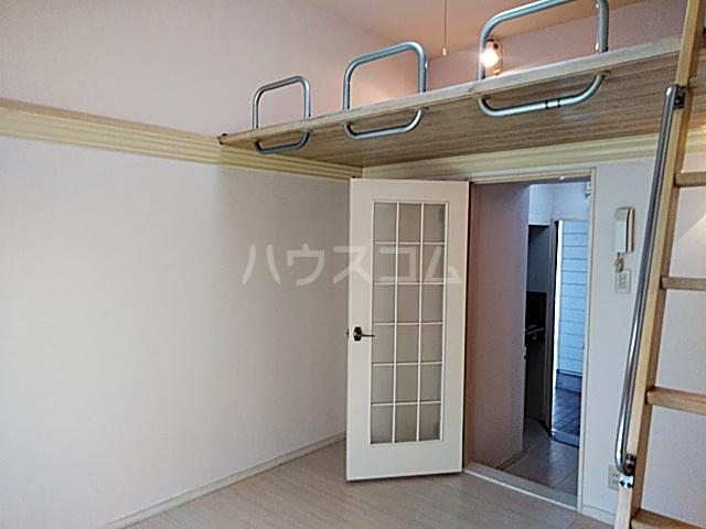 スプリングシールド 108号室のリビング