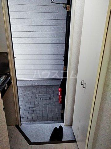 スプリングシールド 108号室の玄関