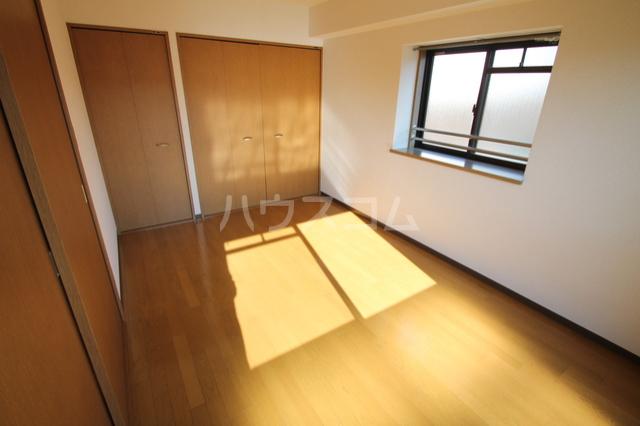 シェソワ 202号室の居室