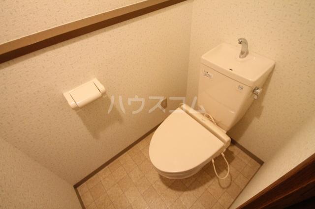 シェソワ 202号室のトイレ