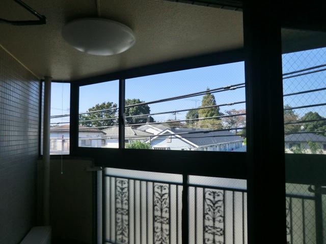 フラット桜ヶ丘 312号室のリビング