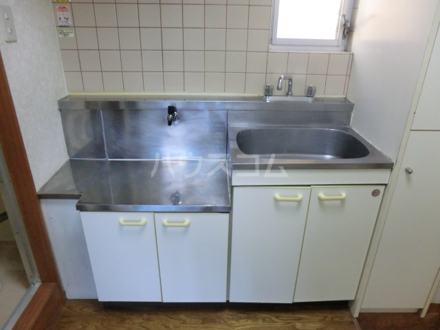 フラット桜ヶ丘 312号室のキッチン
