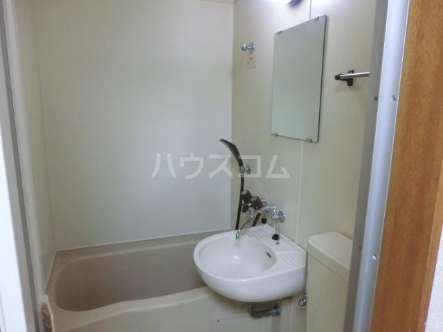 フラット桜ヶ丘 312号室の洗面所
