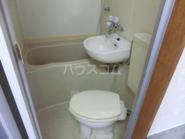 フラット桜ヶ丘 312号室のトイレ