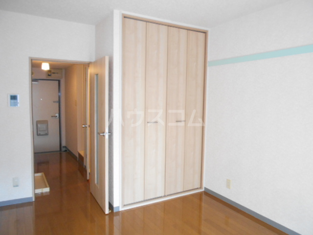 エトワール永山 402号室のリビング