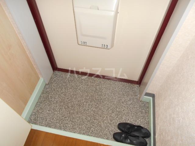 エトワール永山 402号室の玄関