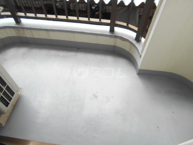 エトワール永山 402号室のバルコニー