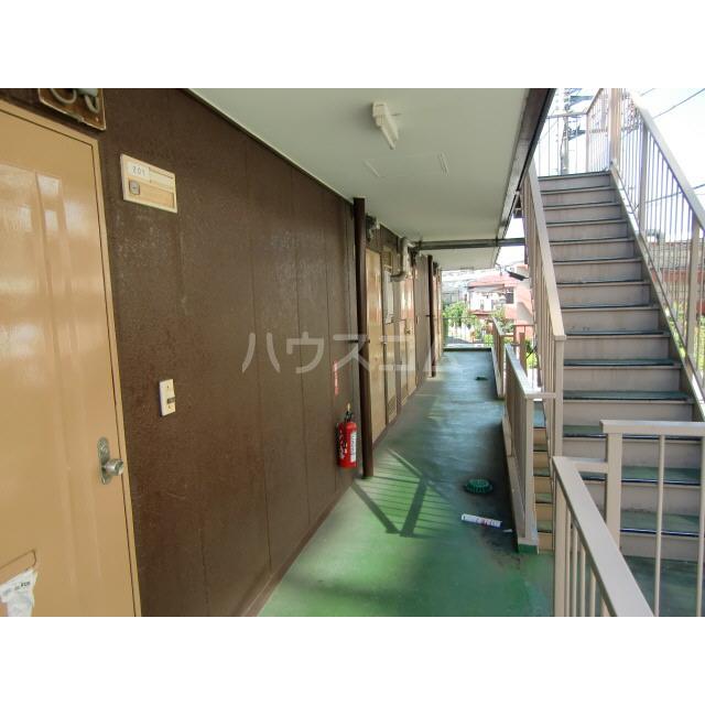 メゾン高幡 201号室のロビー