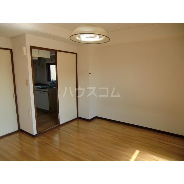 メゾン高幡 201号室のバルコニー