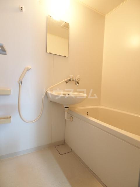 SUNRISE MANSION 201号室の風呂