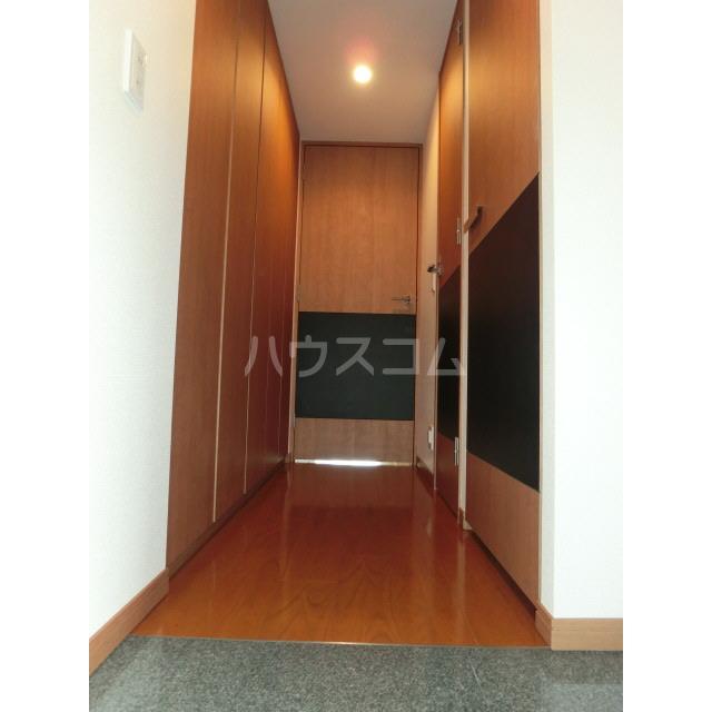 ディグニータ 1304号室の玄関