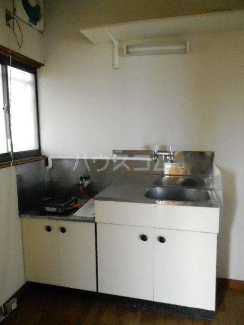 榎本荘 101号室のキッチン