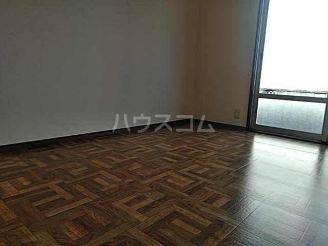 エステート・ニューミー 201号室の居室