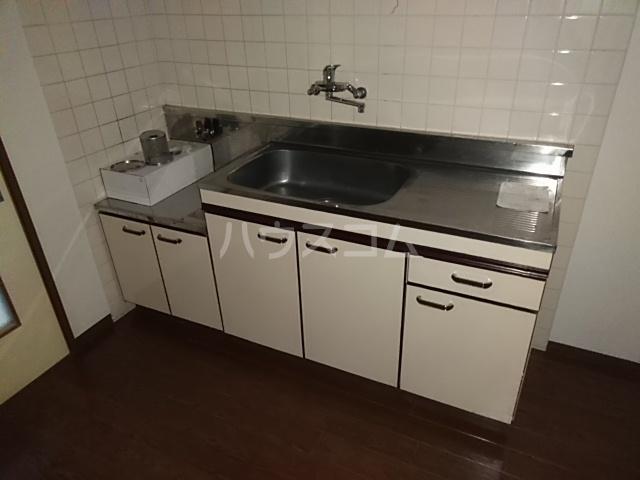 メゾンきたやま 102号室のキッチン