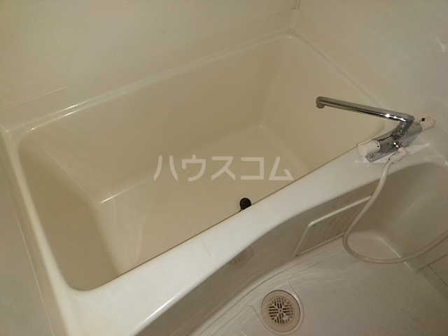 メゾンきたやま 102号室の風呂