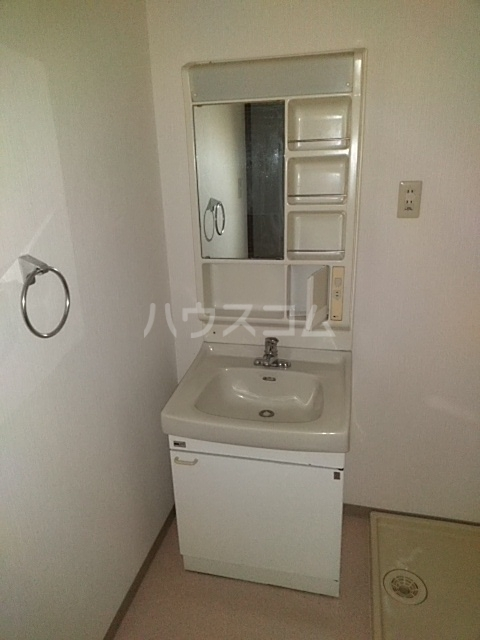 メゾンきたやま 102号室の洗面所