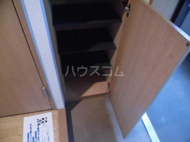 グランジュールMK 102号室の収納