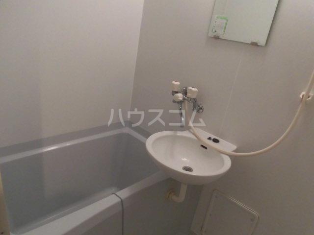 グランジュールMK 102号室の風呂