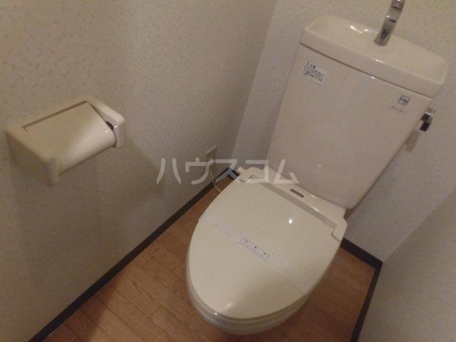 グランジュールMK 102号室のトイレ