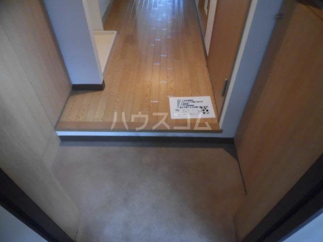 グランジュールMK 102号室の玄関