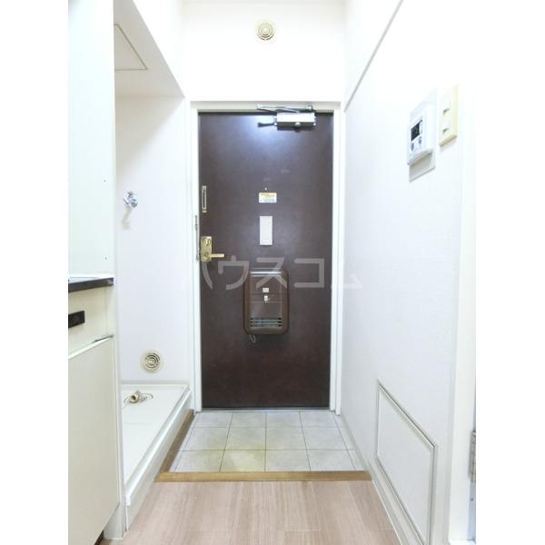 キャステール 307号室の玄関