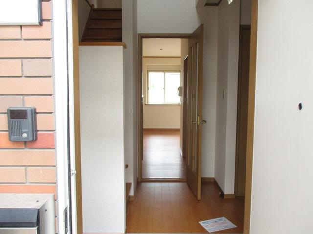 K'Sウイング 1B号室の玄関