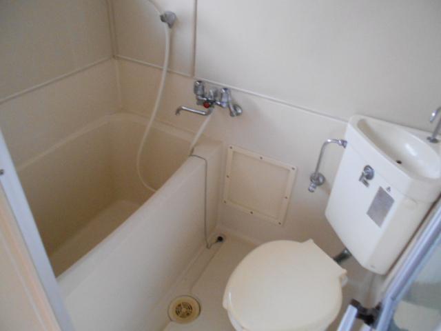 サンウッドメイツ85 205号室の風呂