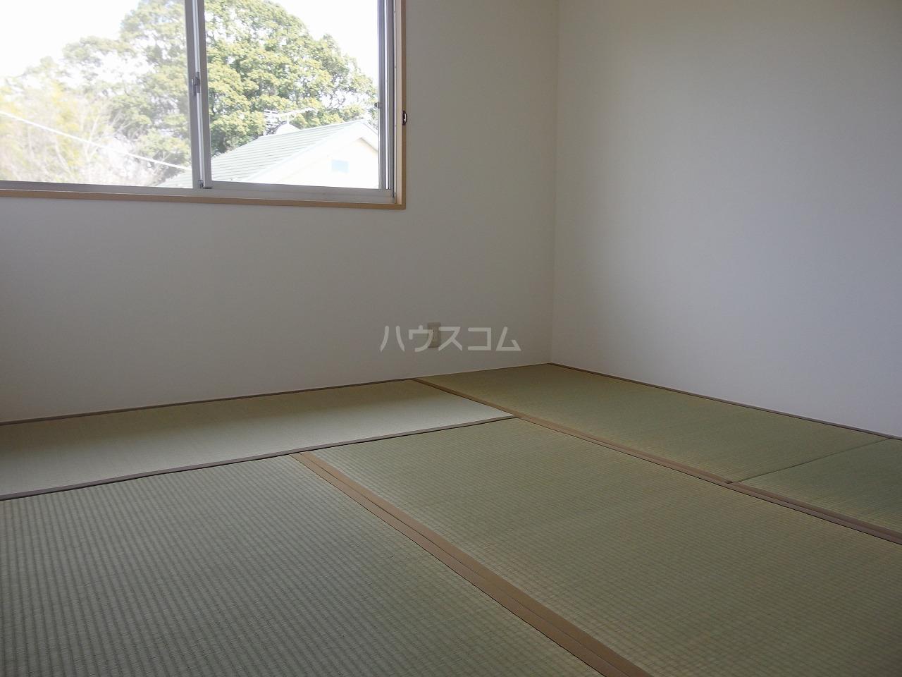 ヒルトップハイツB棟 201号室の居室