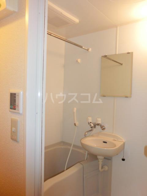 レオパレスしんでん 204号室の風呂