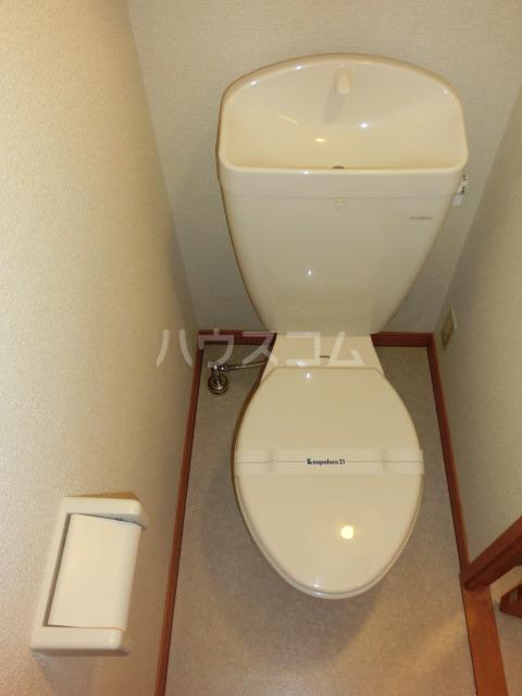 レオパレスしんでん 204号室のトイレ